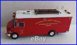1/32 Code 3 Los Angeles County Mt-55 Freightliner Command Vehicle Hazmat 14008
