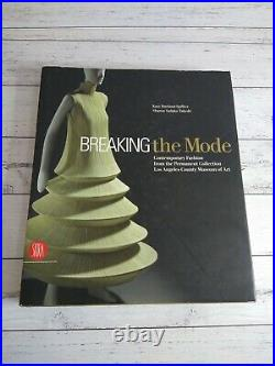 Breaking the Mode Contemporary Fashion, Los Angeles County Museum Of Art